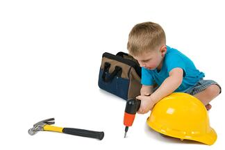 boy_with_drill